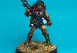 Scavenger - Female with Autoshotgun and Scarf  (Forlorn Hope - Future Skirmish)